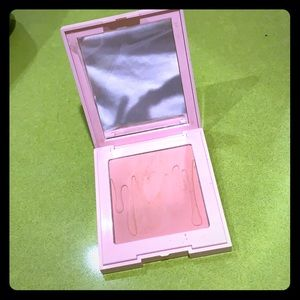 Kylie Cosmetics Makeup - Kylie Jenner's valentine blush collection
